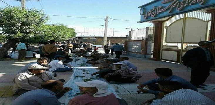 A new way of protest Municipal workers Nurabad Lorestan in front of municipality
