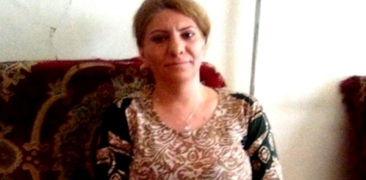 """Freedom female civil rights activist by bail in the """"Saqez"""" of eastern Kurdistan"""