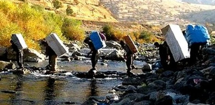"""Killing and wounding 2 carrier at the """"Sheno"""" border of eastern Kurdistan"""