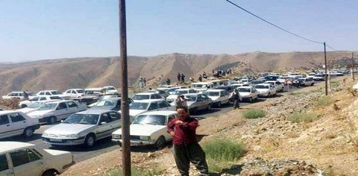 """The protest of carrier """"Piranshahr """" and block the axis Tamrchin – Piranshahr"""